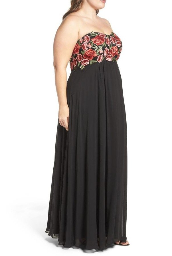 Decode 1 8 Black Floral Embroidered Empire Gown 184068