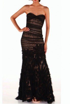 Carmen Marc Valvo Sleeveless Flower Applique Lace Gown in Black