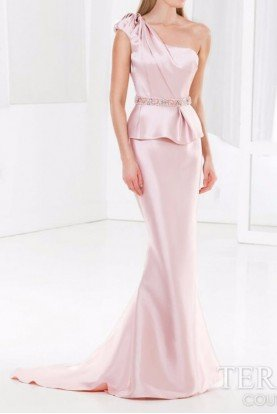 E3781 ONE SHOULDER PUPLUM GOWN IN BLUSH