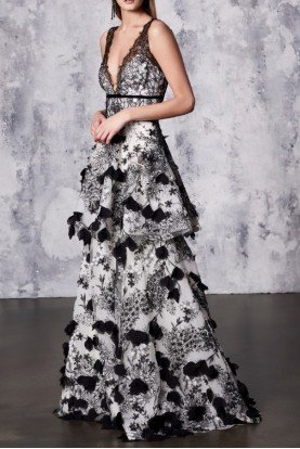 Black White Sleeveless 3D Embroidered Gown